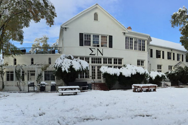 UNR's fraternity house for Sigma Nu. (@SigmaNuNevada/Twitter)