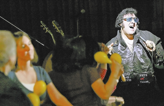 """Jeremy Lyverse/Review-Journal  Pete Vallee performs as """"Big Elvis"""" to a packed house inside Bill's Gamblin' Hall on Friday, Nov. 21, 2008."""