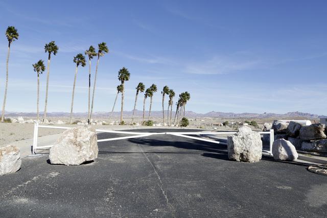 The entrance to the failed subdivision project on Rancho Colorado Boulevard in Bullhead City, Ariz., on Thursday, Jan 6, 2017. (Bizuayehu Tesfaye/Las Vegas Review-Journal)@bizutesfaye