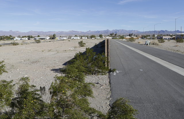 Vacant lots at partially built Sun Meadow subdivision project on Ramar Road in Bullhead City, Ariz., on Thursday, Jan 6, 2017. (Bizuayehu Tesfaye/Las Vegas Review-Journal)@bizutesfaye