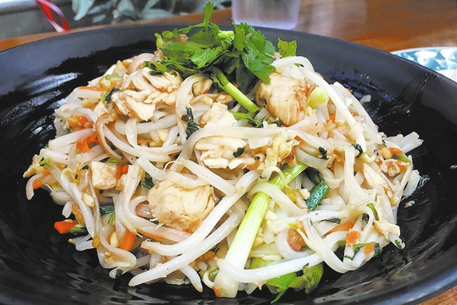 Pad Thai at a minimal spice level should accommodate most palates. (Brian Sandford/View)