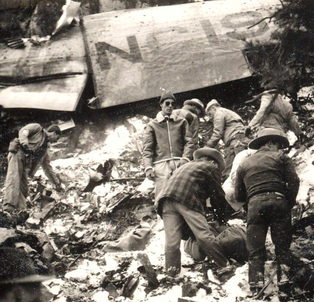 Courtesy of Mike McComb  A recovery team searches for remains at the site of a crash that killed actress Carole Lombard and 21 others on Jan. 16, 1942.