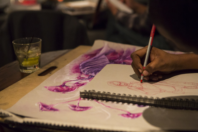DeArdis Hurts sketches during a monthly drawing session held by Dr. Sketchy's Anti-Art School at Artifice in downtown Las Vegas on Thursday, Nov. 17, 2016. Chase Stevens/Las Vegas Review-Journal F ...
