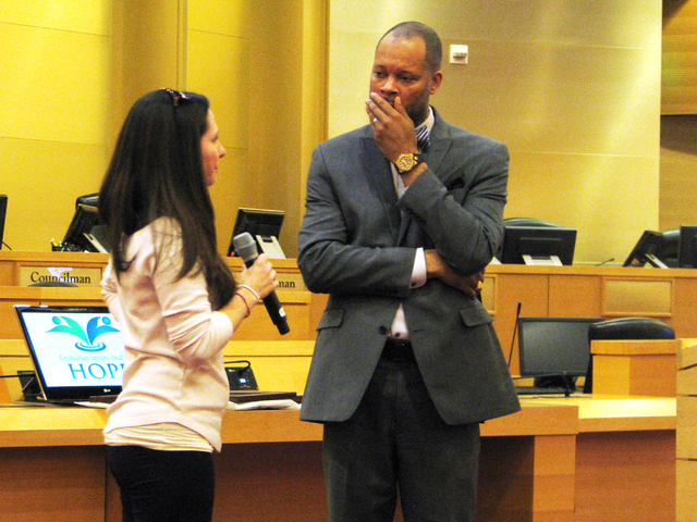 Jessica Swartz speaks to Nevada Senate Majority Leader Aaron D. Ford  the H.O.P.E. Court graduation on Jan. 19, 2017 at the Las Vegas City Hall Council Chambers. Swartz was one of five people grad ...