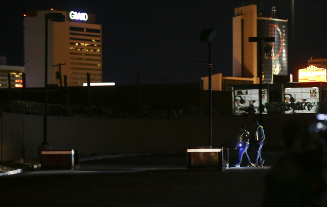 Volunteers search for homeless people near Washington Avenue during the Southern Nevada Homeless Census in downtown Las Vegas on Tuesday, Jan. 24, 2017. (Chase Stevens/Las Vegas Review-Journal) @c ...