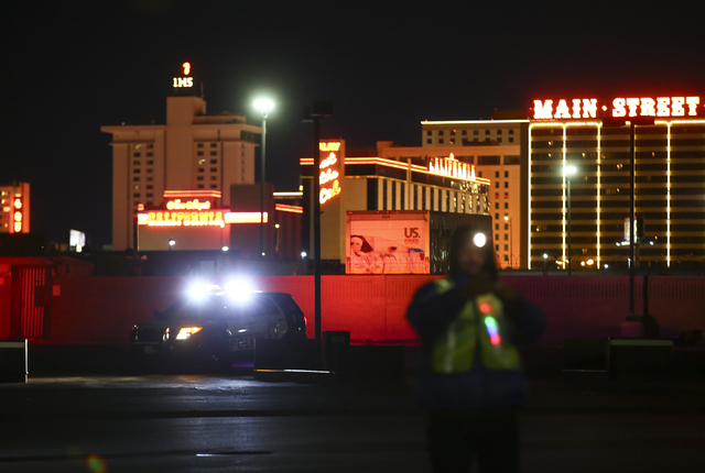 Volunteers and Las Vegas police search for homeless people near Washington Avenue during the Southern Nevada Homeless Census in downtown Las Vegas on Tuesday, Jan. 24, 2017. (Chase Stevens/Las Veg ...