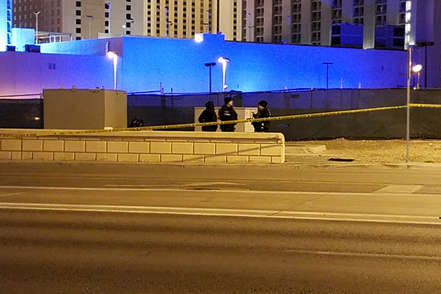 Homicide detectives are investigating the death of a man whose body was found near downtown early Wednesday morning. (Mike Shoro/Las Vegas Review-Journal)
