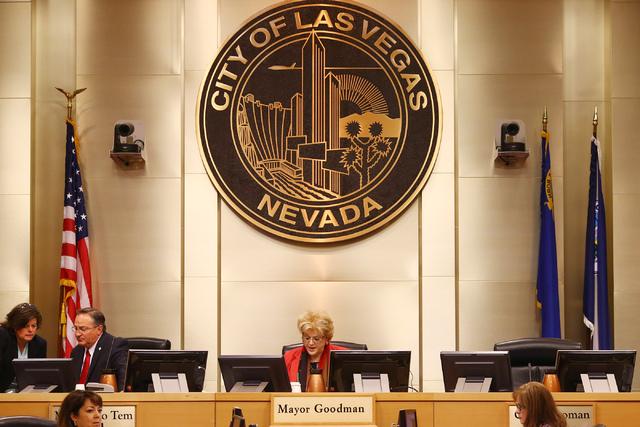 Las Vegas Mayor Carolyn Goodman prepares for a city council meeting at Las Vegas City Hall on June 15, 2016. (Bridget Bennett/Las Vegas Review-Journal) Follow @bridgetkbennett