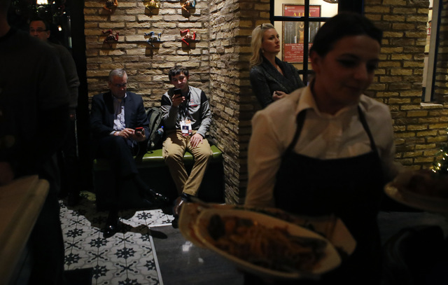 Guests wait to be seated at Nora's Italian Cuisine on Friday, Jan. 6, 2017, in Las Vegas. (Christian K. Lee/Las Vegas Review-Journal) @chrisklee_jpeg