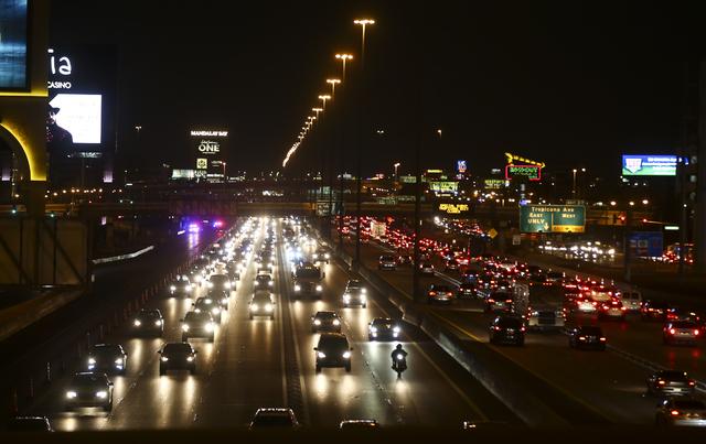 Traffic moves along Interstate 15 in Las Vegas on Saturday, Dec. 31, 2016. (Chase Stevens/Las Vegas Review-Journal) @csstevensphoto