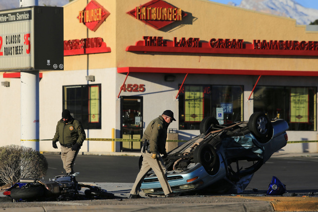 Las Vegas police investigate a crash at the intersection of Torrey Pines and Rancho drives in northwest Las Vegas on Friday, Jan. 27, 2017. (Brett Le Blanc/Las Vegas Review-Journal) @bleblancphoto