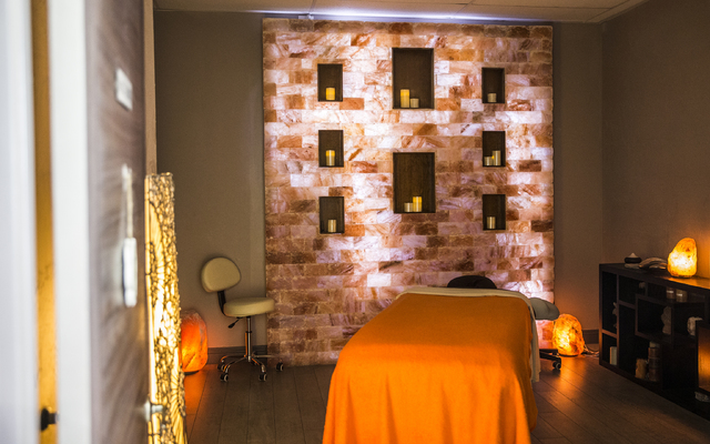 Salt Room LV also offers a variety of massages, body treatments, facials and waxing treatments in addition to 45-minute long salt room sessions. (Benjamin Hager/Las Vegas Review-Journal)