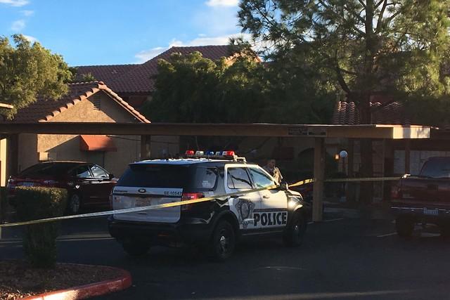 The Metropolitan Police Department is investigating a homicide at Villa Del Rio apartments in southeast Las Vegas, Monday morning, Jan. 23, 2017. (Bizuayehu Tesfaye/Las Vegas Review-Journal) @bizu ...