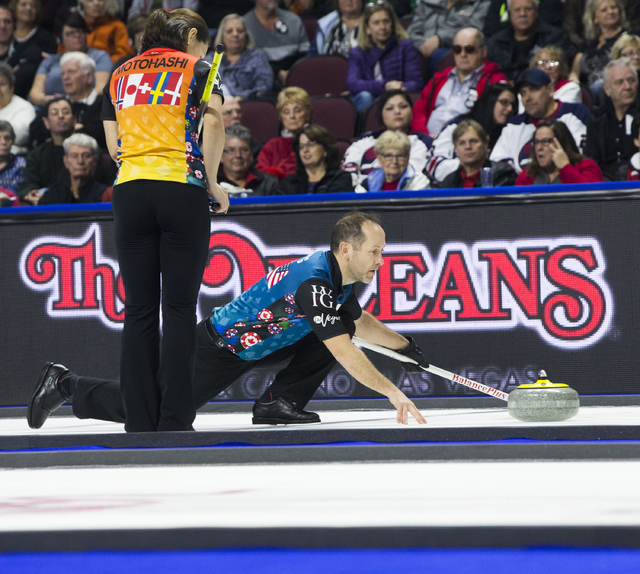 Brent Laing competes in the 2017 World Financial Group Continental Cup on Friday, Jan. 13, 2017, at Orleans Arena, in Las Vegas. (Benjamin Hager/Las Vegas Review-Journal)