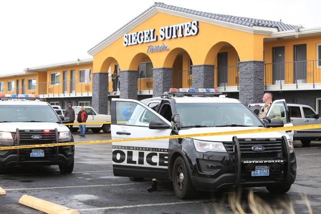 Las Vegas police investigate a shooting at a Siegel Suites at 455 E. Twain Ave. in Las Vegas on Friday, Jan. 13, 2016. (Brett Le Blanc/Las Vegas Review-Journal) @bleblancphoto
