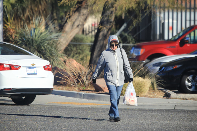 Jackets are out in force in Las Vegas as the temperature isn't expected to top 50 degrees on Friday, Jan. 6, 2017. Brett Le Blanc/Las Vegas Review-Journal Follow @bleblancphoto