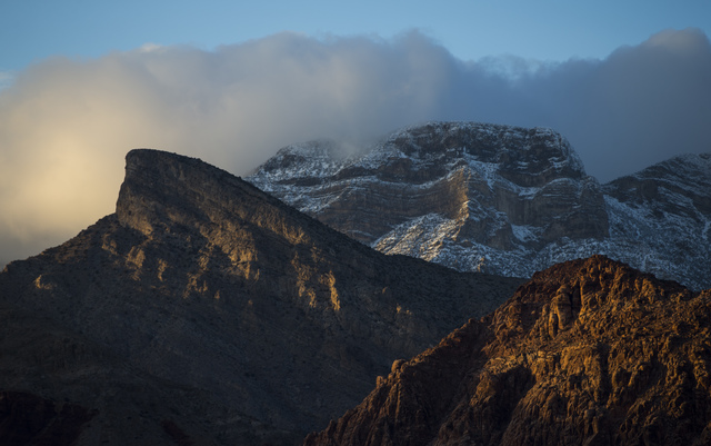 Fading light hits the mountaintops at Red Rock Canyon National Conservation Area outside of Las Vegas on Friday, Jan. 13, 2017. (Chase Stevens/Las Vegas Review-Journal) @csstevensphoto