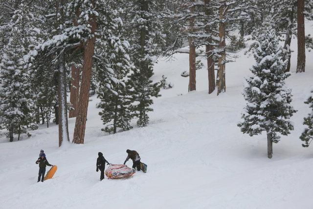 People enjoy a snow day in Lee Canyon outside of Las Vegas on Friday, Jan. 13, 2017. Mount Charleston has seen more than a foot of snowfall in the last 24 hours. Brett Le Blanc/Las Vegas Review-Jo ...