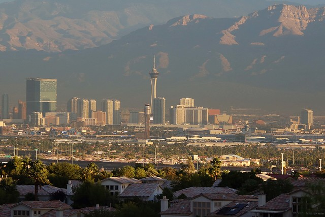 The morning sun shines brightly over the Las Vegas Strip. (Bizuayehu Tesfaye/Las Vegas Review-Journal) @bizutesfaye