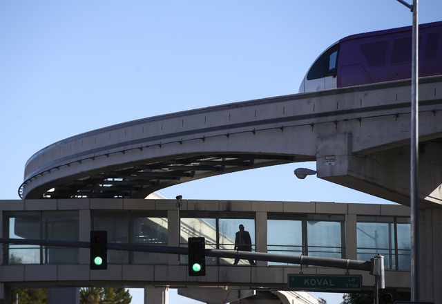 The Las Vegas Monorail passes by outside of the Sands Expo and Convention Center in Las Vegas on Friday, Jan. 6, 2017. (Chase Stevens/Las Vegas Review-Journal) @csstevensphoto