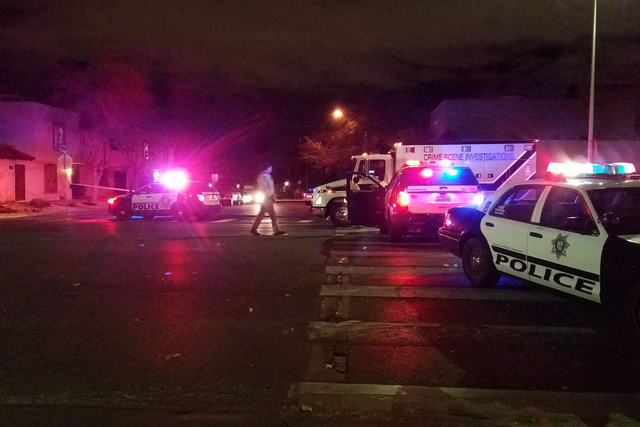 Las Vegas police investigate a shooting near Jones and Carmen boulevards on Thursday, Jan. 5, 2017. (Mike Shoro/Las Vegas Review-Journal)