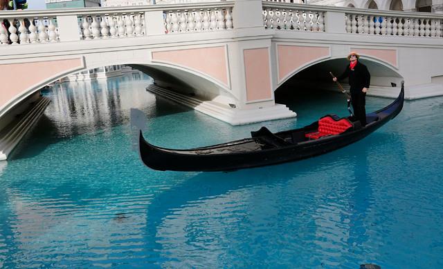 A gondolier propels the gondola at The Venetian in Las Vegas, Wednesday, Jan. 18, 2017. (Chitose Suzuki/Las Vegas Review-Journal) @chitosephoto