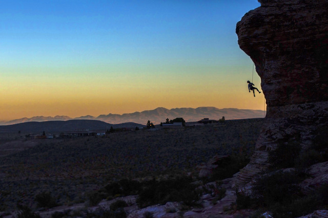 Jared Drapala, from Bellingham, Washington, ascends Cannibal Crag at Red Rock Canyon National Conservation Area on Nov. 14, 2016, in Las Vegas. (Benjamin Hager/Las Vegas Review-Journal)