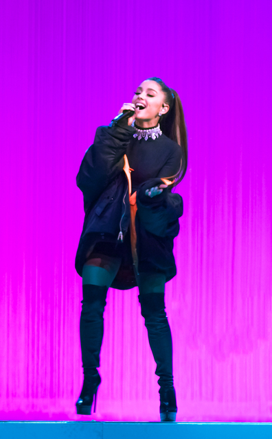 Review Ariana Grande Charms At Mgm Grand In Second Stop Of Dangerous Woman Tour Las Vegas