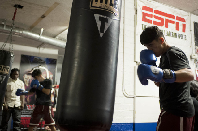 Kevin Cazares warms up at Johnny Tocco's Ringside Gym in Las Vegas on Friday, Feb. 3, 2017. (Bridget Bennett/Las Vegas Review-Journal) @bridgetkb
