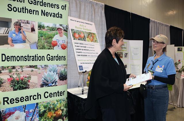 Julianne McGoldrick, Left, Learns From Arlene Ralbovsky, Volunteer At  Master Gardeners Of Southern