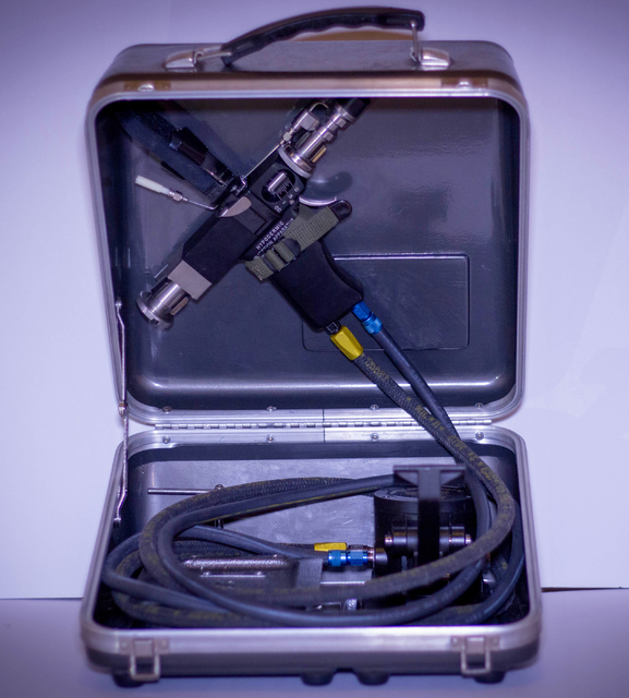 """Seen is the kind of """"jet gun"""" that some Vietnam veterans and meidical experts say caused them to contract hepatitis C. (Photo/Silvia Hinojosa-Price)"""