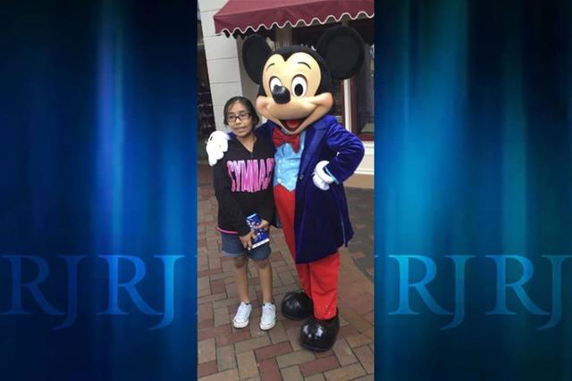 Jazmin Honorato España at Disneyland. (España family)