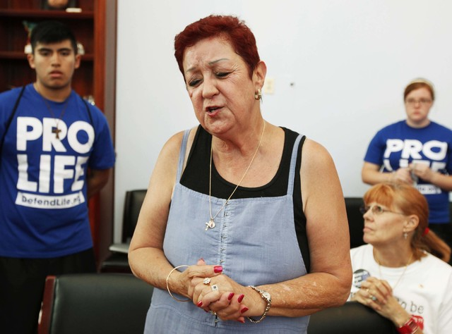Norma McCorvey, right, the plaintiff in the landmark lawsuit Roe v. Wade, speaks up as she joins other anti-abortion demonstrators inside House Speaker Nancy Pelosi's office on Capitol Hill in Was ...
