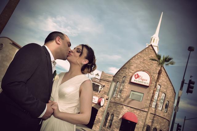 Wedding tourism is a $2 billion industry in Las Vegas. (Vegas Weddings)