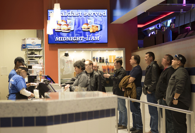 The line gets longer at White Castle on the Las Vegas Strip as customers file in at lunchtime on Wednesday, Jan. 25, 2017. (Heidi Fang/Las Vegas Review-Journal) @HeidiFang