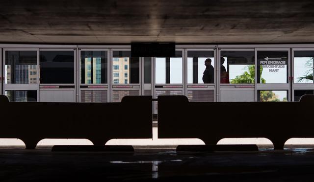 People wait at the Harrah's/The Linq Las Vegas Monorail station on Thursday, July 9, 2015. (Chase Stevens/Las Vegas Review-Journal) Follow Chase Stevens on Twitter @csstevensphoto
