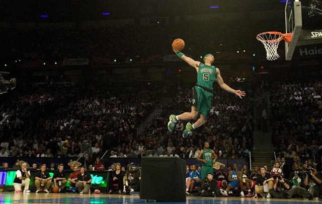 Gerald Green makes a dunk for a perfect score of 50 to end the NBA All-Star Slam Dunk contest at the Thomas & Mack Center in Las Vegas Saturday, Feb. 16, 2007. (John Locher/Las Vegas Review-Jo ...