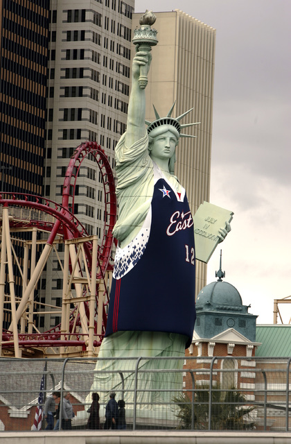 The Statue of Liberty in front of New York, New York hotel-casino dons a NBA East basketball jersey on Tuesday, Feb. 13, 2007. (John Gurzinski/Las Vegas Review-Journal)
