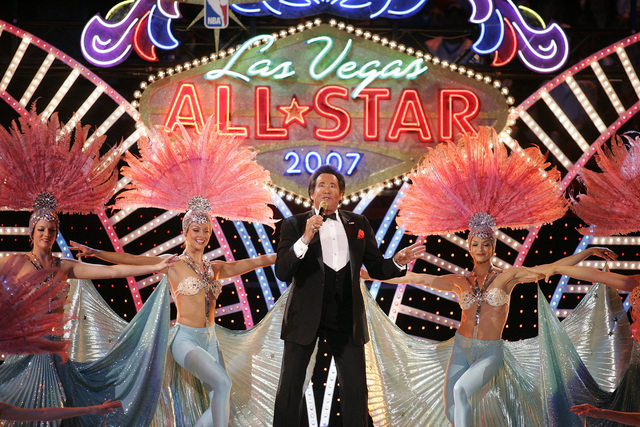 Wayne Newton performs before the start of the NBA All-Star game at the Thomas & Mack Center in Las Vegas Sunday, Feb. 18, 2007. (John Locher/Las Vegas Review-Journal)