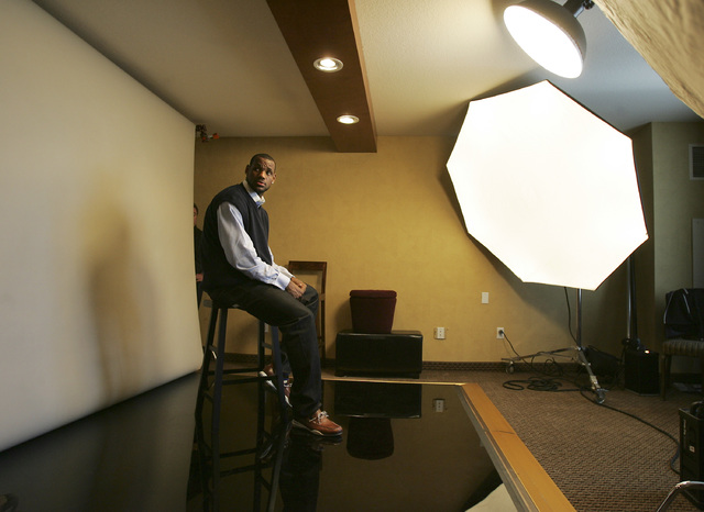 LeBron James waits for Kobe Bryant to pose together for NBA photographers at the Palms hotel-casino in Las Vegas on Friday, Feb. 16, 2007. (John Gurzinski/Las Vegas Review-Journal)