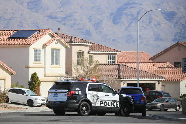 Las Vegas police respond to a barricade situation on Falling Pines place on Thursday, Feb. 9, 2017, in northwest Las Vegas. Brett Le Blanc/Las Vegas Review-Journal Follow @bleblancphoto