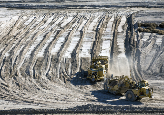 Earthmovers excavates ground for a new land fill at the Western Elite Ranch near U.S. 93 Highway about 60 miles north of Las Vegas on Wednesday, Jan. 25, 2017. (Jeff Scheid/Las Vegas Review-Journa ...