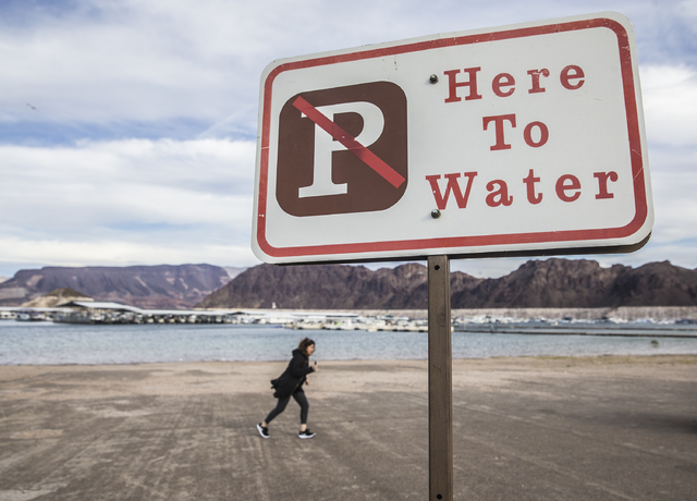 Visitors to Lake Mead Marina walk on the docks to theiron Tuesday, Feb 21, 2017, at Lake Mead Recreational Area, in Boulder City. (Benjamin Hager/Las Vegas Review-Journal) @benjaminhphoto