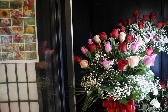Roses and flowers at VIP Florist on Thursday, Feb. 9, 2017, in Las Vegas. (Christian K. Lee/Las Vegas Review-Journal) @chrisklee_jpeg