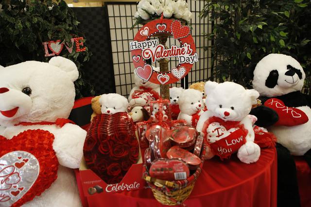 Stuffed bears at VIP Florist on Thursday, Feb. 9, 2017, in Las Vegas. (Christian K. Lee/Las Vegas Review-Journal) @chrisklee_jpeg