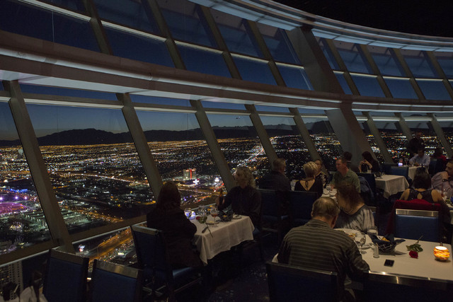 Valentine S Day Dinner At The Top Of The World Photos