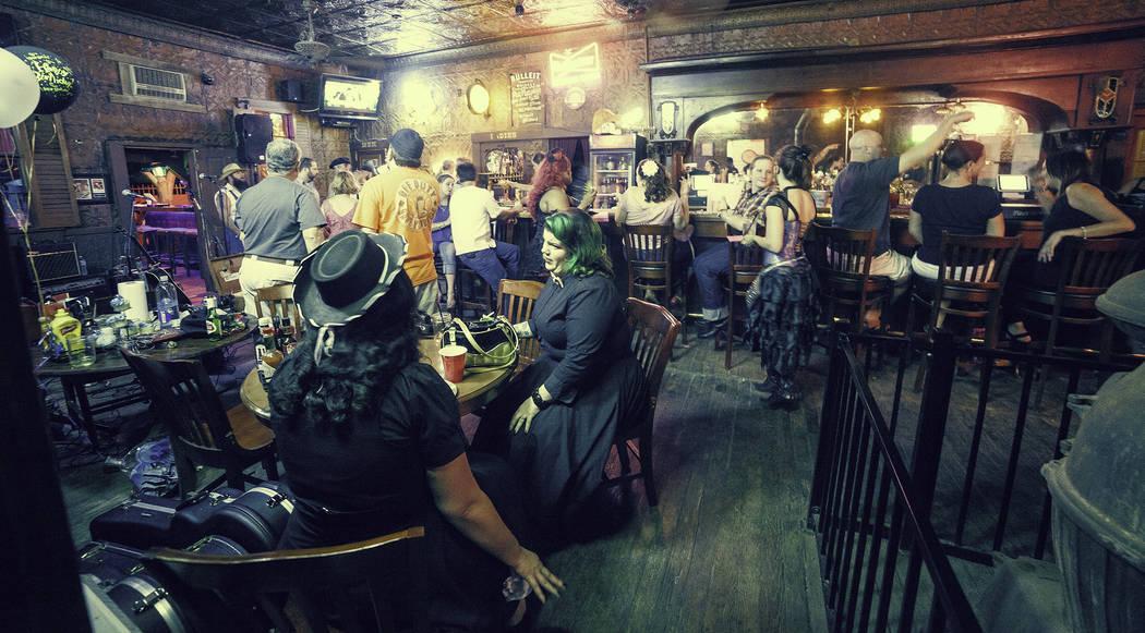 Pioneer Saloon (Darrell Craig Harris)