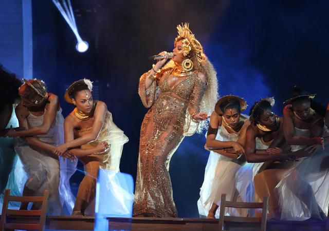 Beyonce performs at the 59th Annual Grammy Awards in Los Angeles, California, U.S. , February 12, 2017. REUTERS/Lucy Nicholson