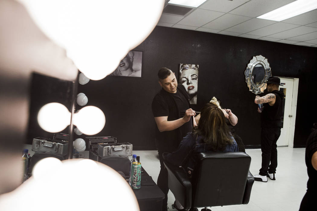 Babydoll Beauty Couture head makeup artist Rudy Gamponia works on model Jessica Talamantes, at the new salon catering to plus-sized women located on North Decatur Blvd. and West Lake Mead Blvd., L ...
