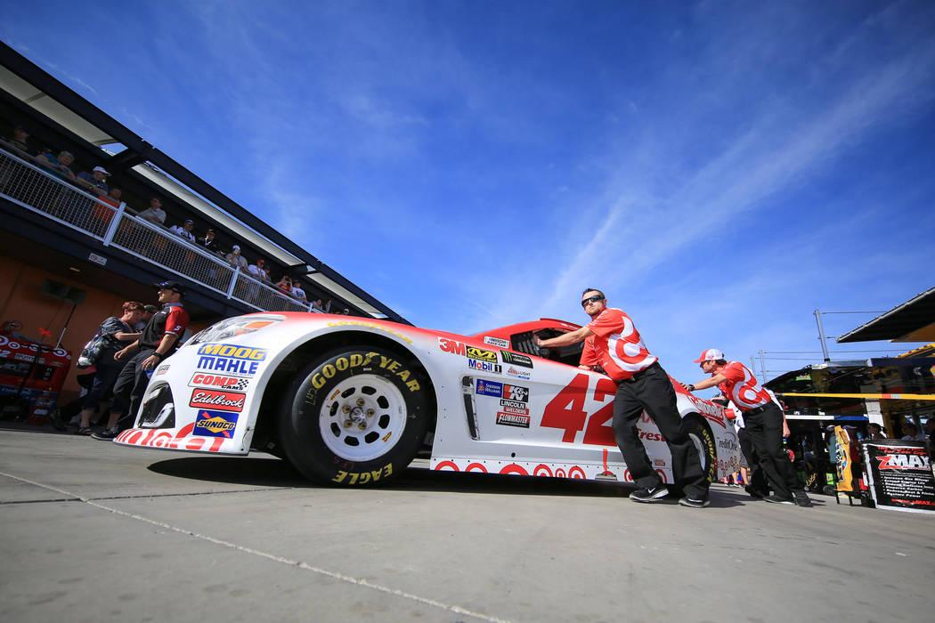 Pre Race Action At Las Vegas Motor Speedway For Kobalt 400 Photos Las Vegas Review Journal